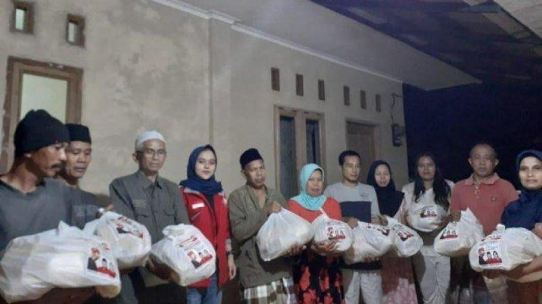 Photo of Pembagian Ratusan Paket Sembako TMP Ciamis Bikin Warga Terharu