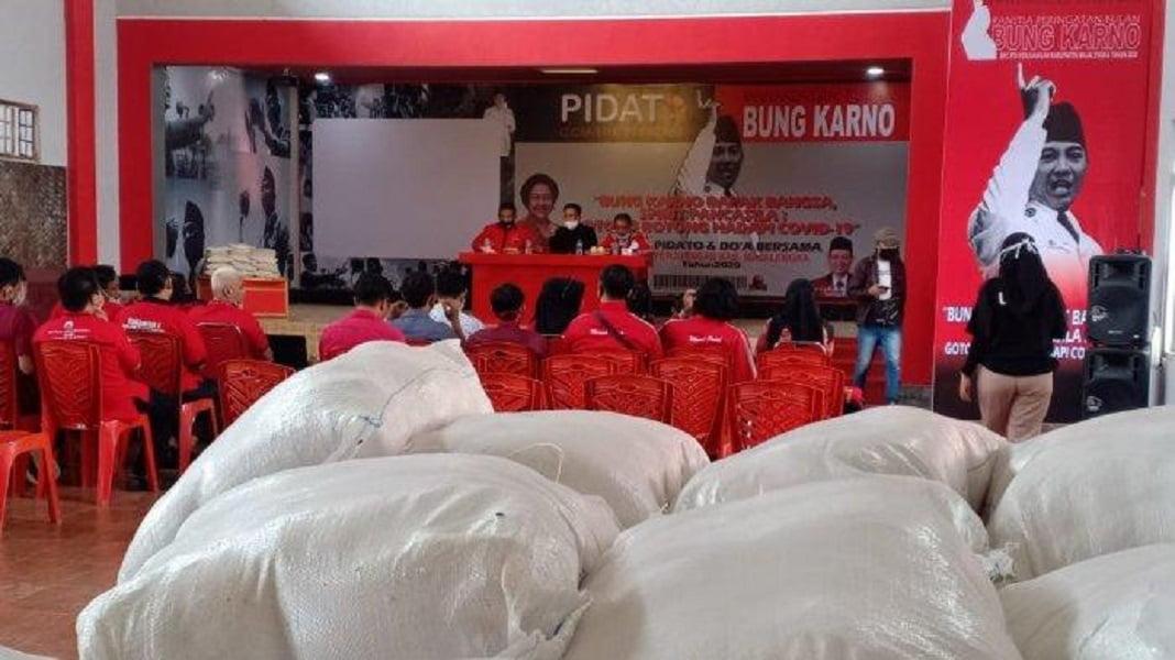 Photo of Bupati Majalengka Apresiasi TMP Peduli Kembali Berikan Bantuan untuk Warga Terdampak Covid-19