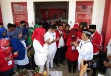 Photo of Sederhana, Mendaftar ke KPU Paslon Yesi – Adly Didampingi Ustad Maulana